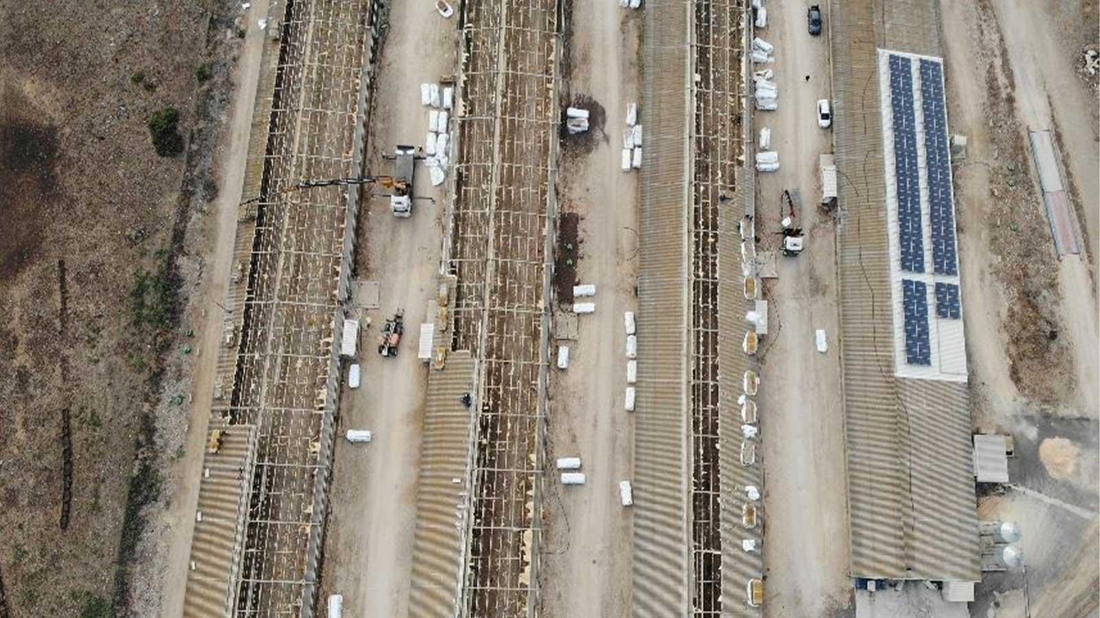 קיבוץ להבות הבשן החלפת גגות אסבסט לפאנל מבודד בלולים 10000 מר